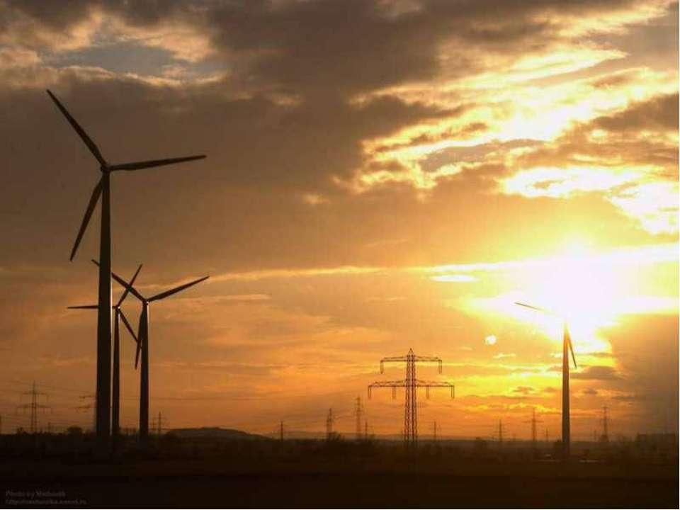 Енергія вітру Величезна енергія рухомих повітряних мас. Запаси енергії вітру ...