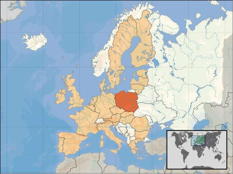 Польща займає 9-е місце в Європі за площею і 8-е за кількістю населення. Довж...